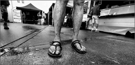 Muddy feet in Luna Oso at Trail du Barrage 2014